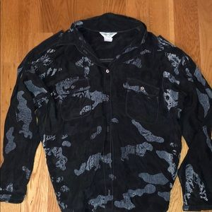 NWOT HARD TAIL CAMO BUTTON DOWN, SIZE XS
